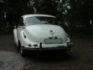 Белый BMW 501/502 вид сзади