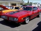 Красный Dodge Charger