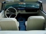 Интерьер Ford Mustang 1965 кабриолет