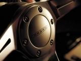 Pagani Zonda F Roadster: эмблема Pagani на руле
