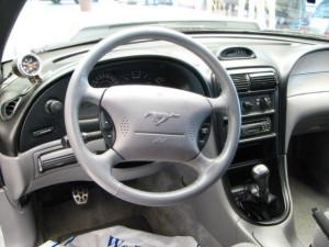 ford-mustang-interior-1995