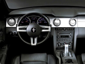 ford-mustang-interior-2008