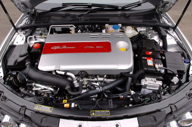 2005-Alfa-Romeo-159-Engine