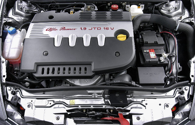 2005-alfa-romeo-147-Engine