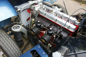 Aston-Martin-DB2-engine