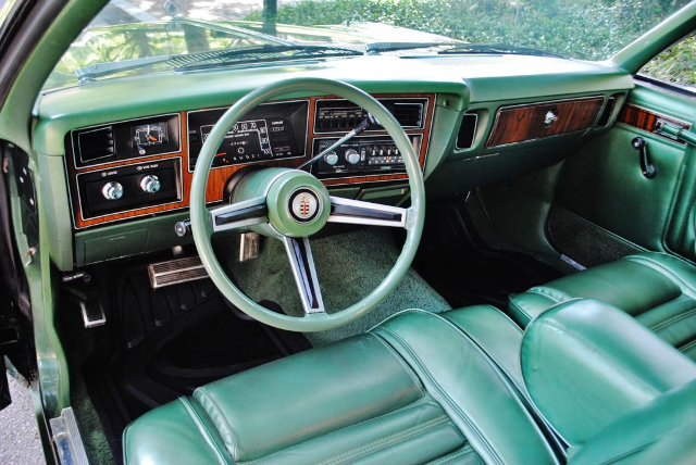 1977-dodge-aspen-interiror